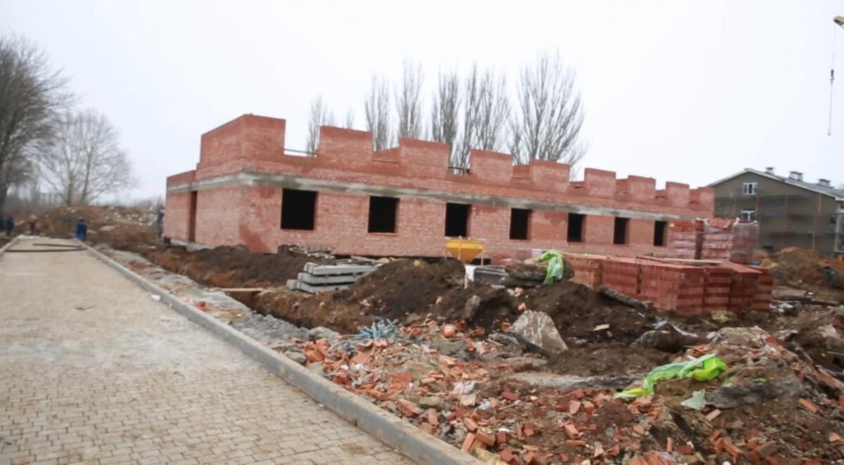 СБУ провела обыски по делу о присвоении средств на строительство казарм