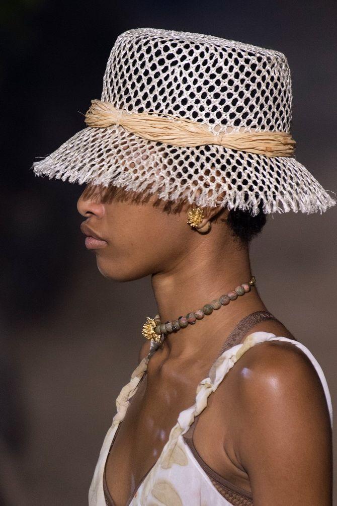 Шляпка Christian Dior