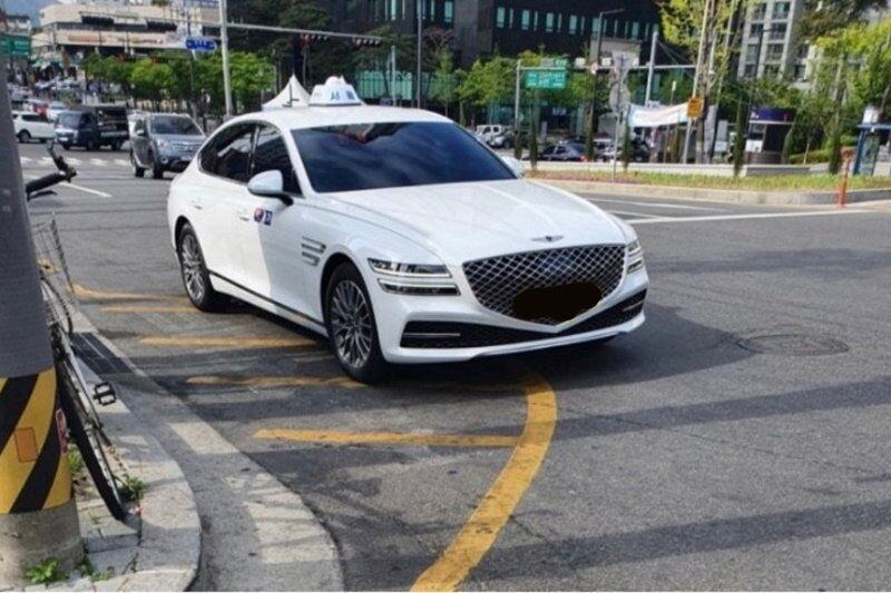 Роскошный седан Genesis G80 от Hyundai появился в такси