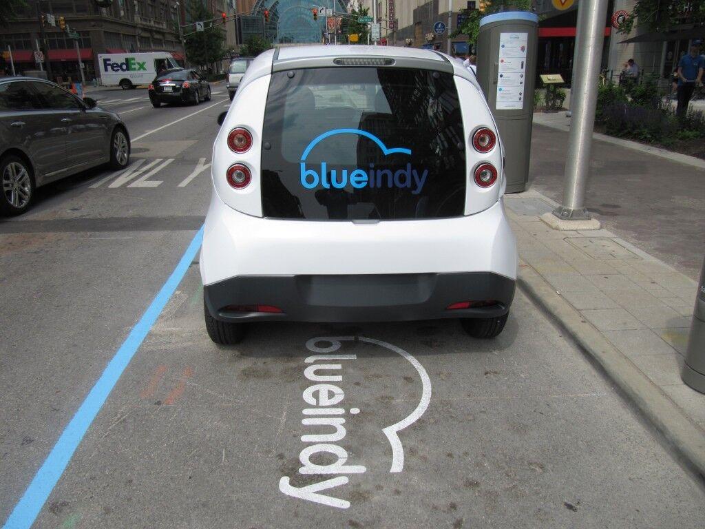 Электромобили BlueIndy выбросили на свалку