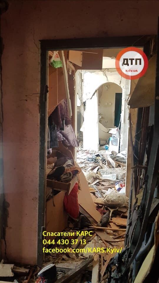 Фото изнутри киевской многоэтажки после взрыва