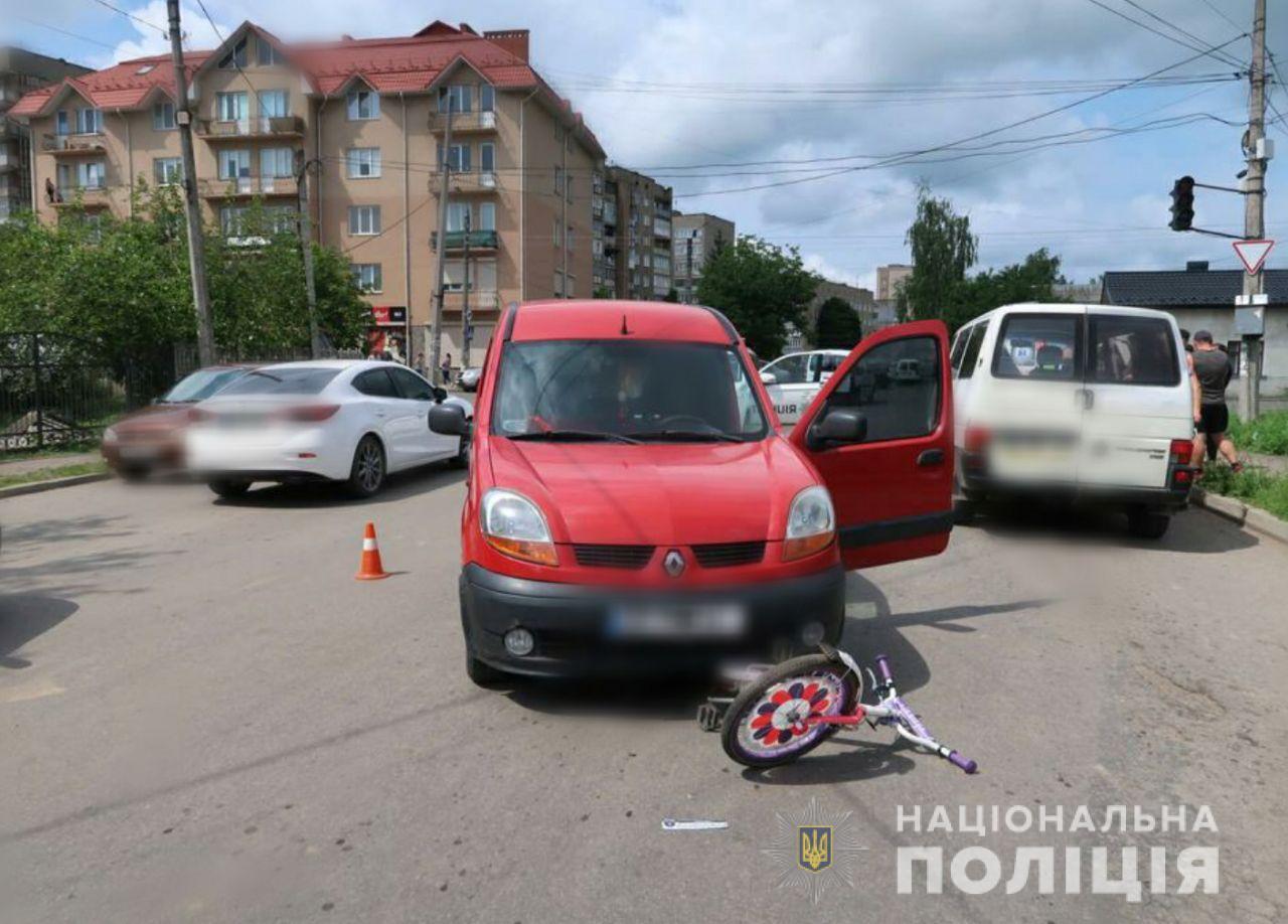 В Коломые сбили ребенка. (источник фото: Национальная полиция в Ивано-Франковской области)