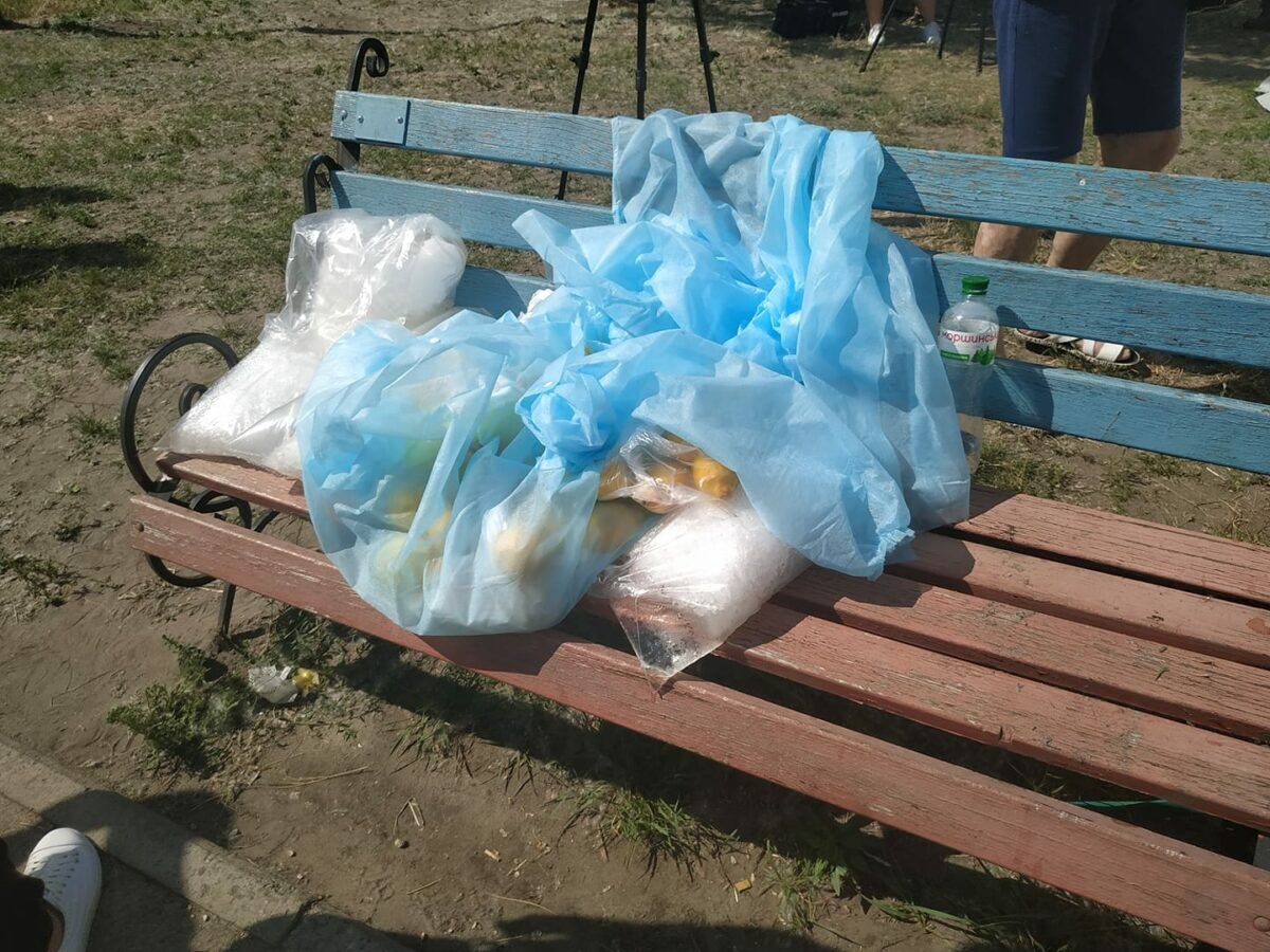 Тищенко приїхав на місце вибуху з лимонами (Фото - фейсбук Мар'яни П'єцух)