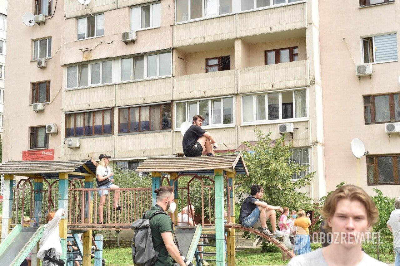 Жители взорвавшегося дома в Киеве думают, что он может упасть