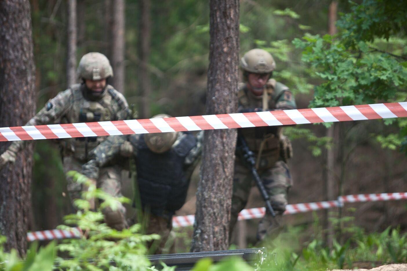 Соревновались спецназначенцы и гражданские спортсмены-чемпионы, бойцы территориальной̈ обороны и военные запаса