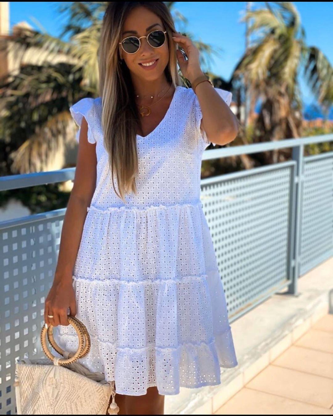 stylish_woman_clothing