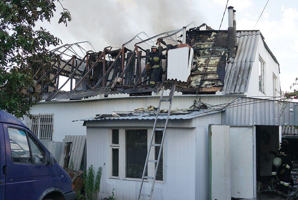 Пожар едва не уничтожил жилой дом