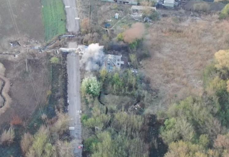 Воїни ЗСУ відкрили вогонь у відповідь по позиціях окупантів