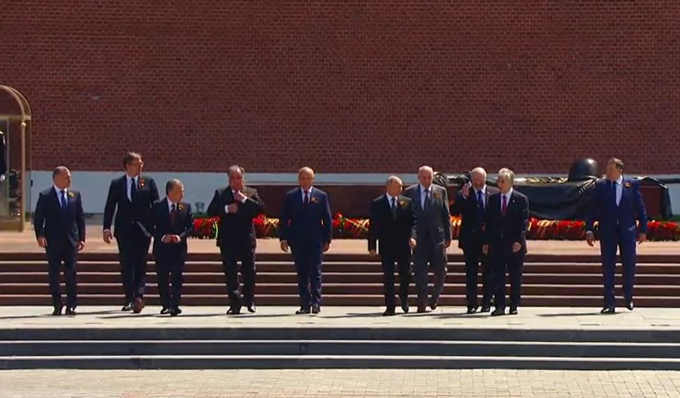 Лидеры стран вместе с Путиным на параде в Москве