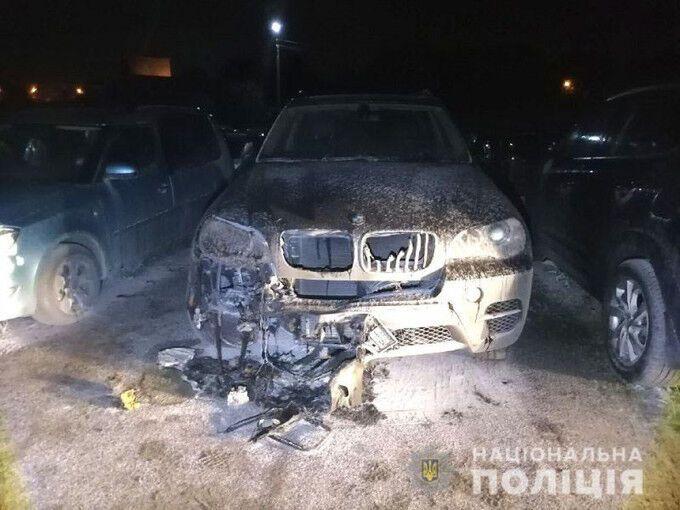 В Ривне подожгли машину украинского чемпиона мира по кикбоксингу