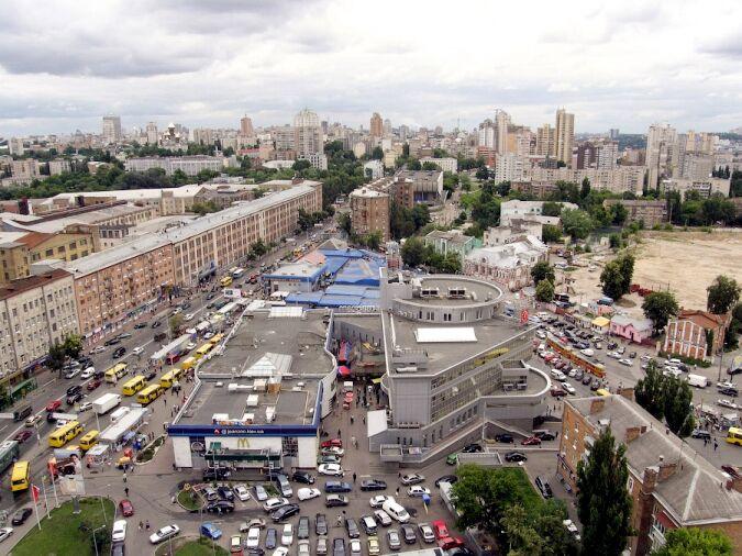 """Станция метро """"Лукьяновская"""" в Киеве"""