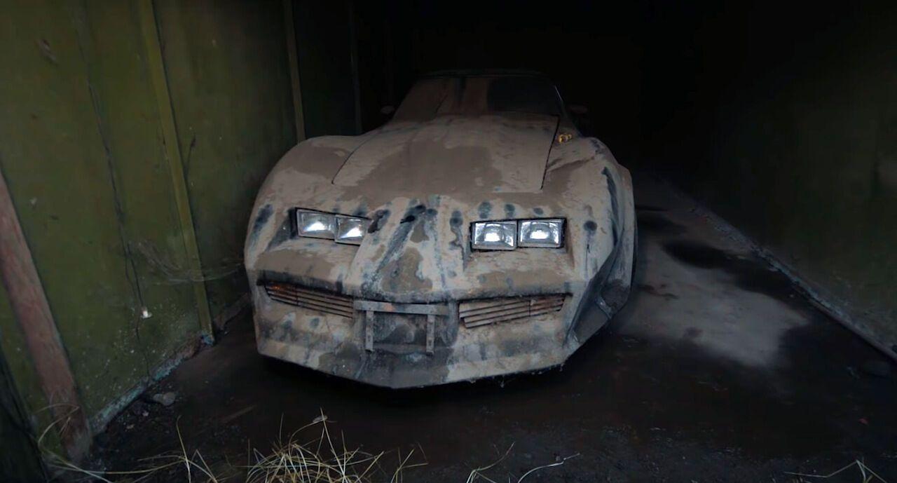 Старый Chevrolet Corvette C3 нашли в гараже спустя 13 лет.