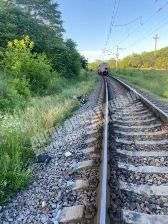 """В Днепре поезд сбил коляску с ребенком. Фото """"Днепр оперативный"""""""