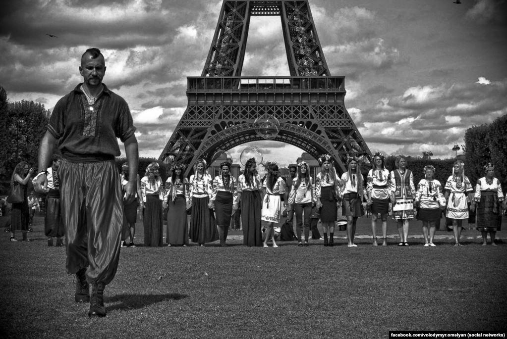 Василий Слипак бросил Париж ради Донбасса и погиб от пули снайпера: воспоминания побратима о борьбе певца-воина