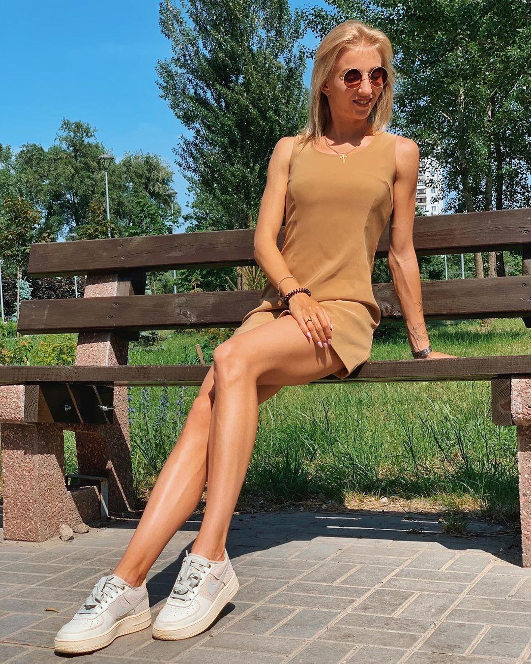 Украинская легкоатлетка, снимавшаяся обнаженной в Крыму, поразила сказочной фигурой