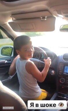 Ребенок управлял авто на скорости 100 км/ч