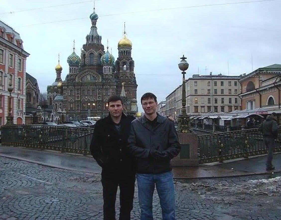 Сергей и Владимир Живаги в Москве. Экс-депутат – справа
