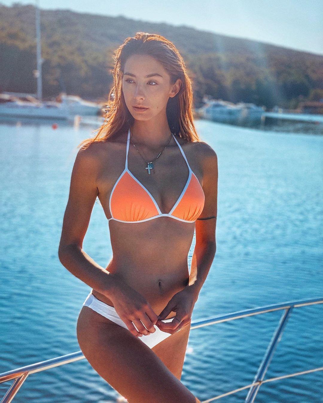 Опубліковані фото розкішної моделі, з якою Олександр Звєрєв порушив самоізоляцію