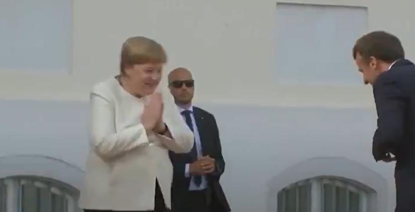 Меркель встречает Макрона в Германии