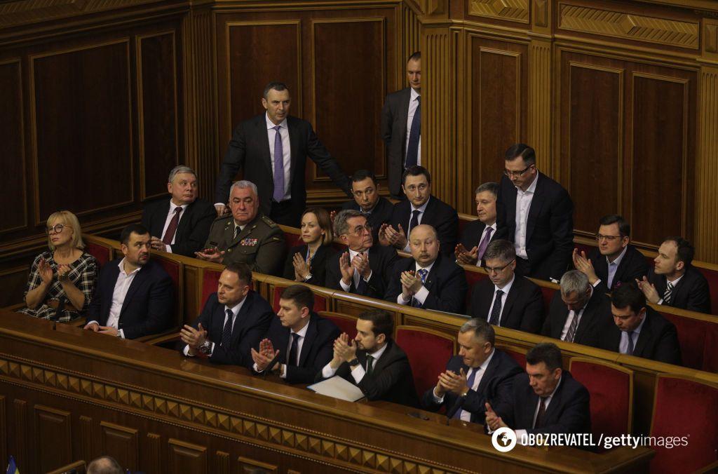 """""""Кабинет министров фактически недееспособен"""""""