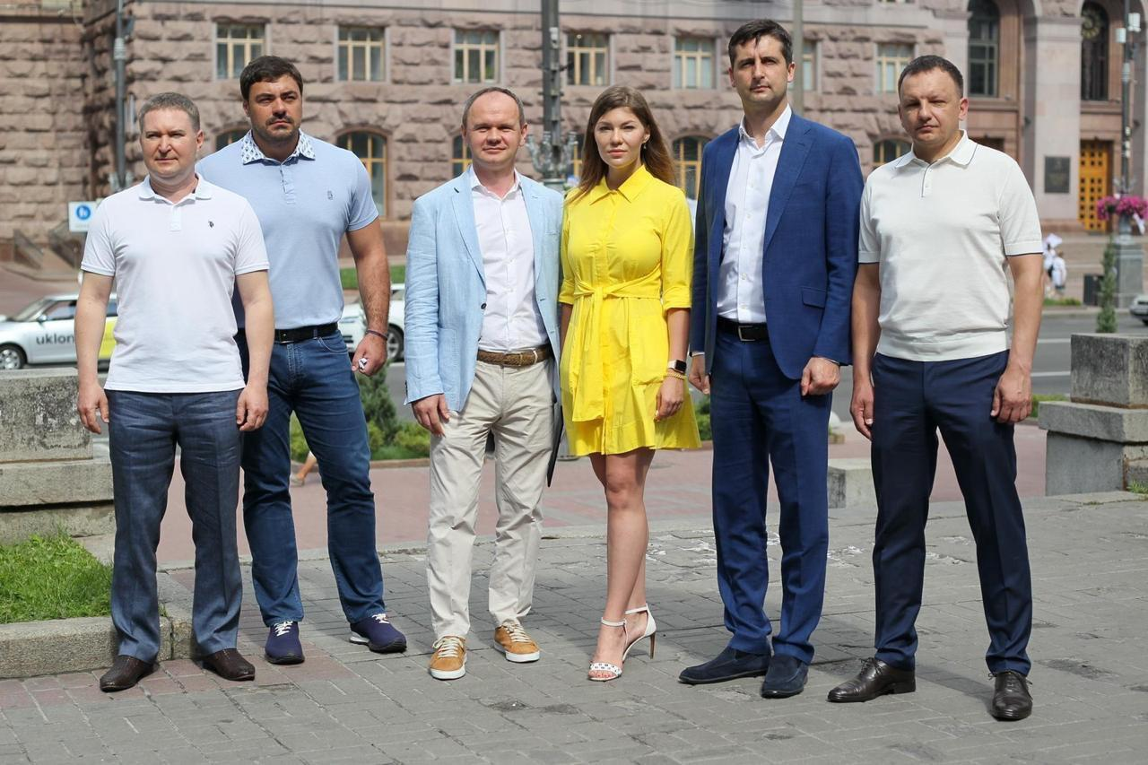 В Киевсовете потребовали от Зеленского прекратить политические преследования Порошенко и активистов