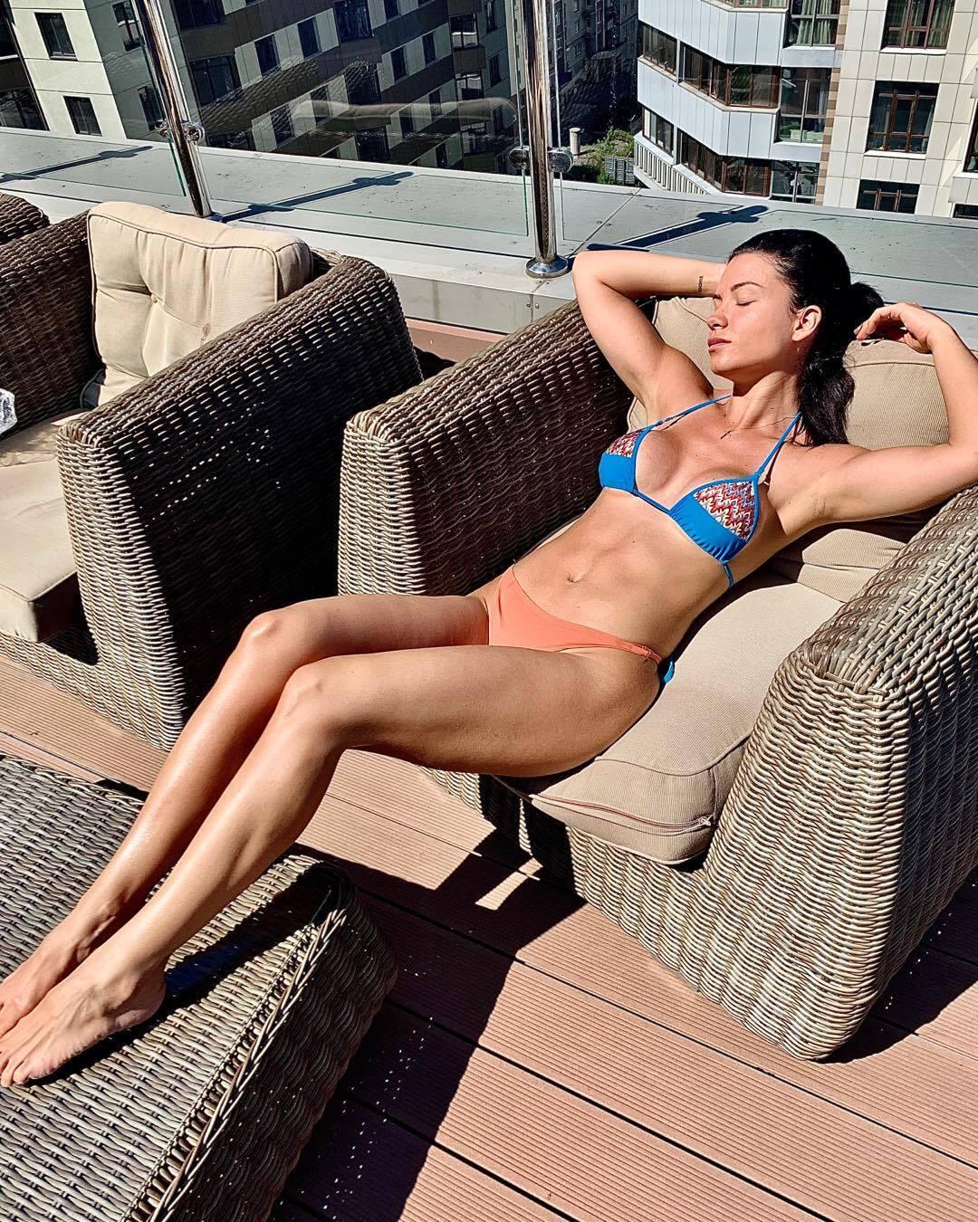 Жена Франа Соля Аида в купальнике