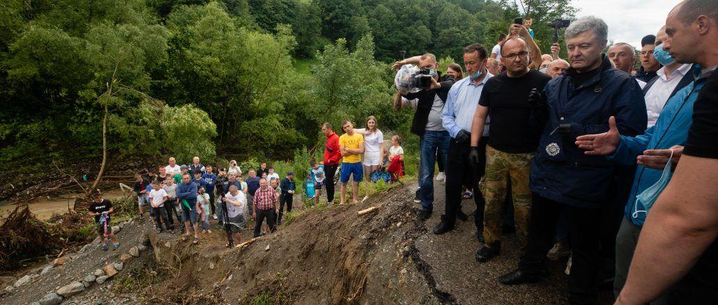 Порошенко обратился к правительству за наводнения на Прикарпатье