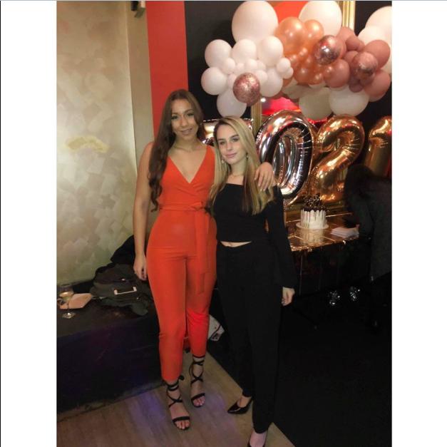 Стефани Брауитт (справа) (Instagram-аккаунт Стефани Брауитт)