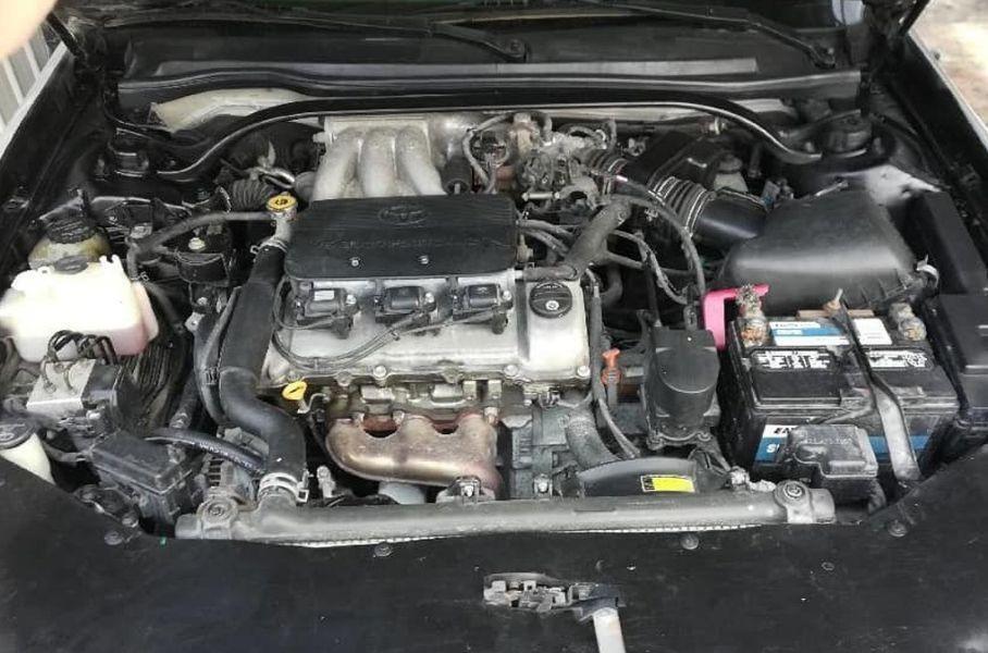 Toyota Camry с передней частью от BMW