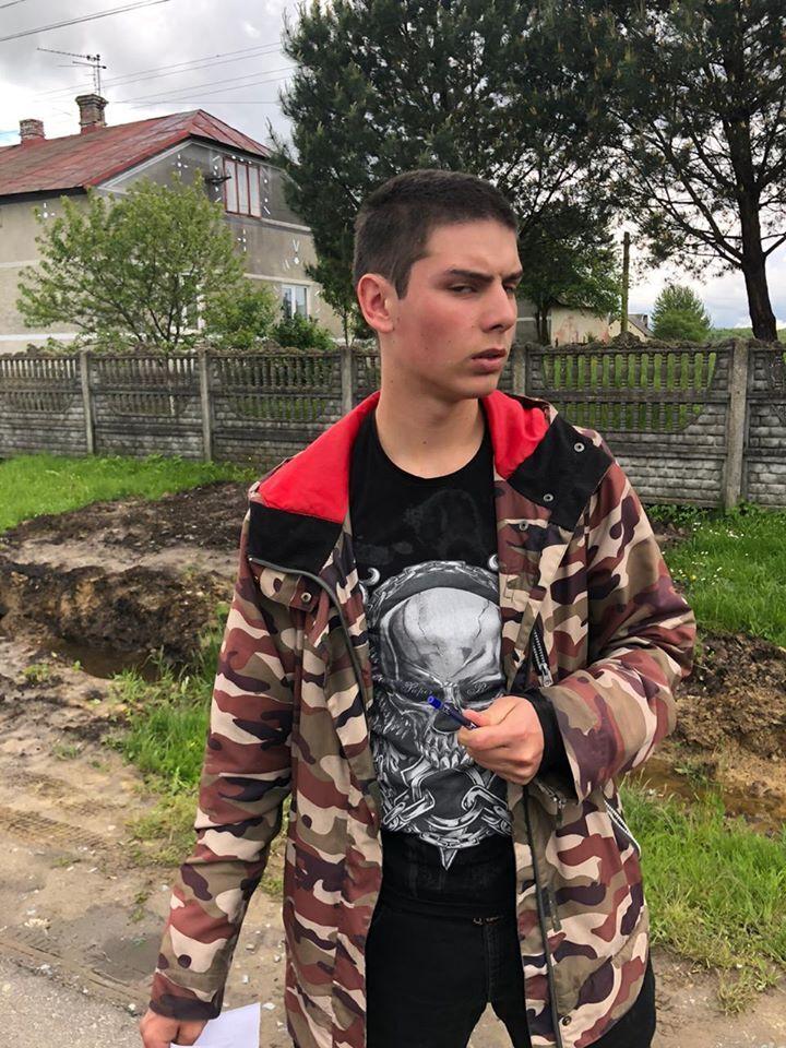 На Львовщине из-за конфликта с сельским головой экс-боец НГУ оказался в больнице