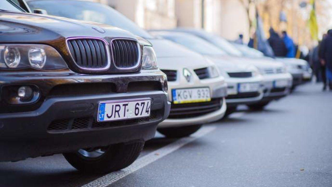 Владельцы авто на иностранных номерах будут получать штрафы за превышение скорости