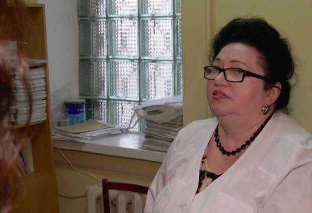 В Днепре врача оставили на работе, несмотря на взяточничество: подробности скандала