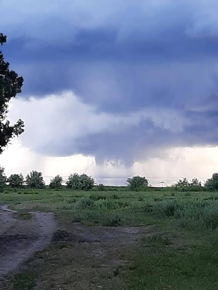 Над Херсонщиной пронесся торнадо