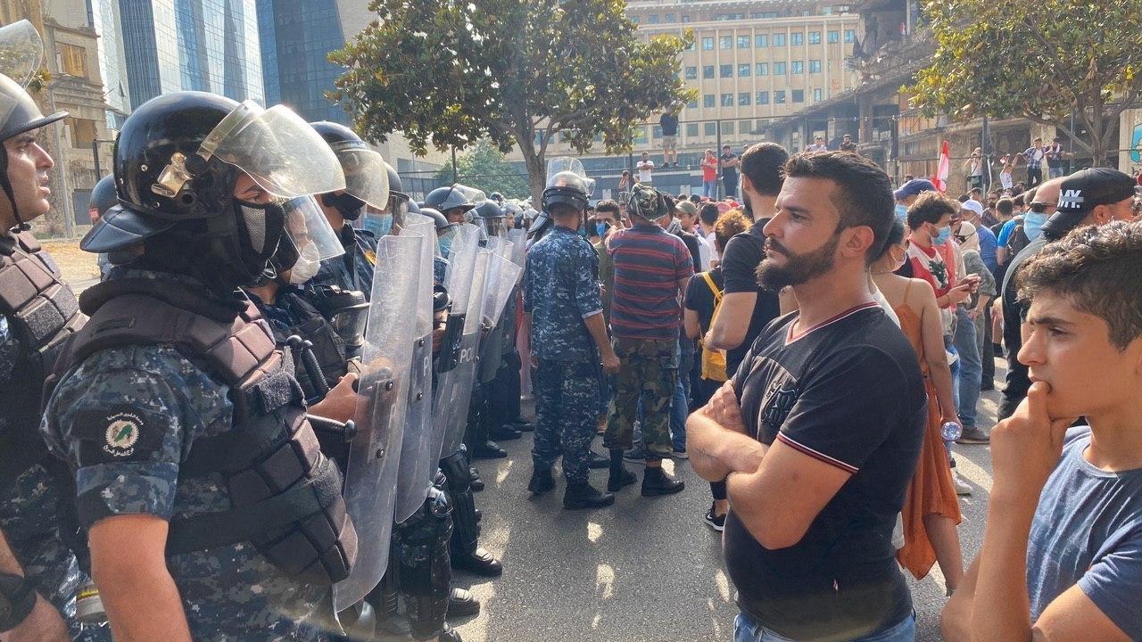 Біля будівлі парламенту Лівану відбулися масштабні сутички
