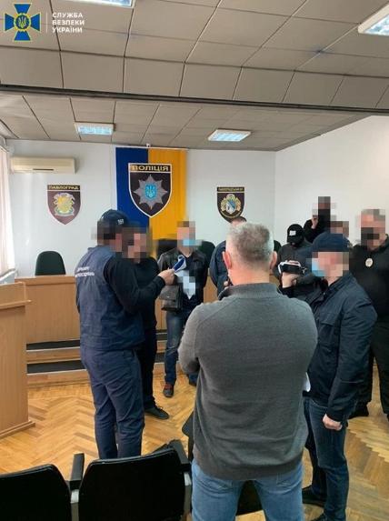 На Дніпропетровщині начальник поліції очолив банду