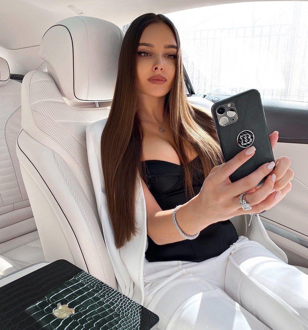 Кароліна Севастьянова
