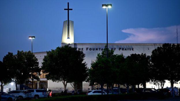 Церковь Фонтана Славы в Хьюстоне