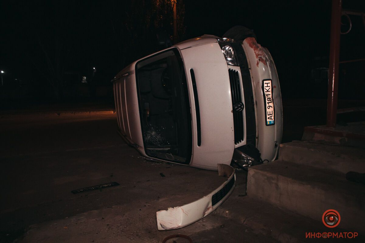 Автомобиль влетел в магазин