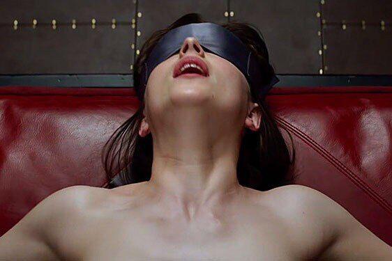 Голливуд отменил секс в кино из-за коронавируса