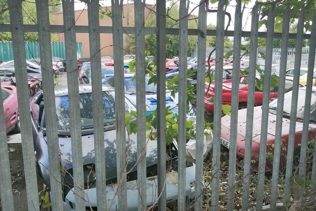 Занедбані Toyota MR2 виявили в Великобританії