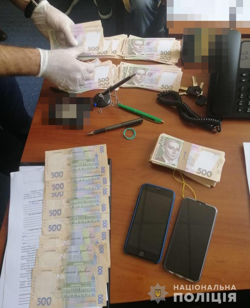 В КВ Киеве проректора университета поймали на взятке в 220 тысяч грн