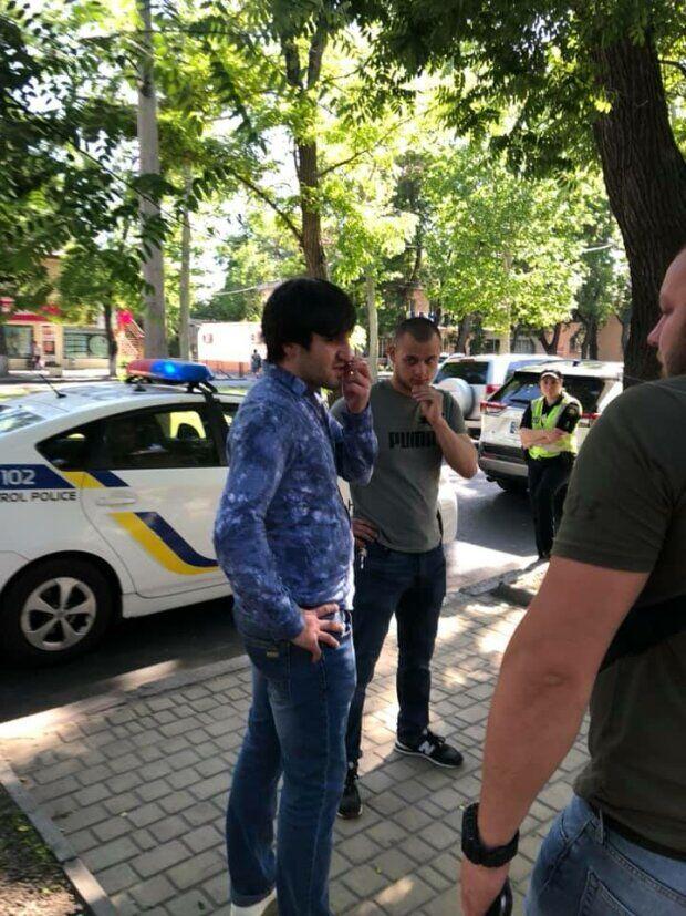 Земляки водія заспокоїлися, коли на місце приїхали одеські активісти