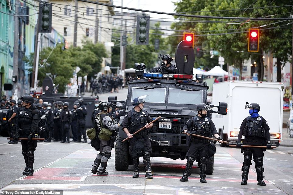 Полиция разогнала протестующих в Сиэтле