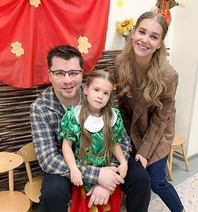 Харламов і Асмус з донькою