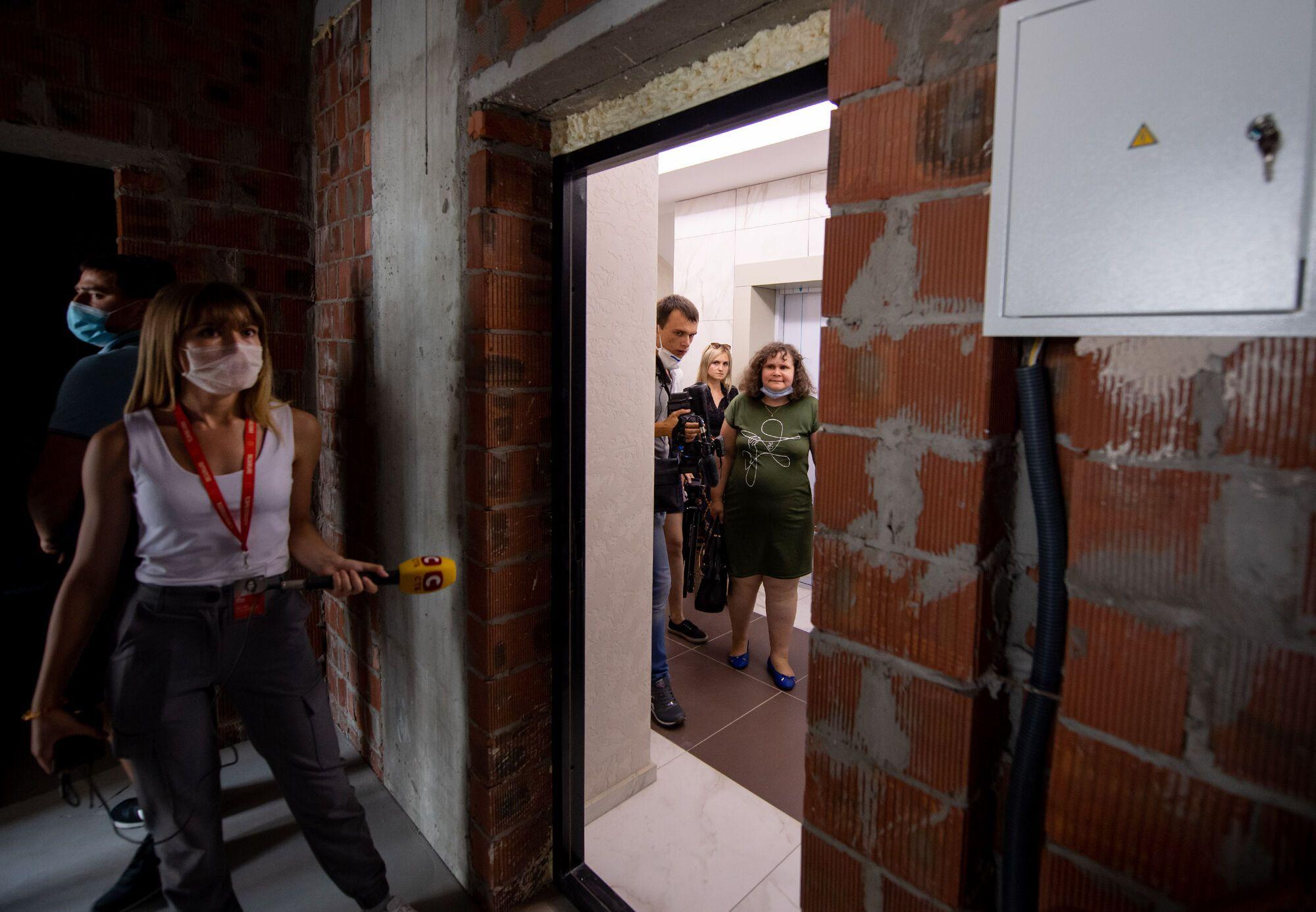 Пострадавшим в результате взрыва дома в Киеве показали новые квартиры