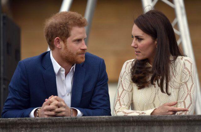 Принц Гарри и Кейт Миддлтон (источник – cheatsheet.com)