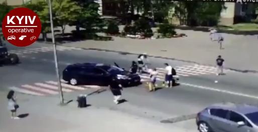 Очевидцы помогли пострадавшим