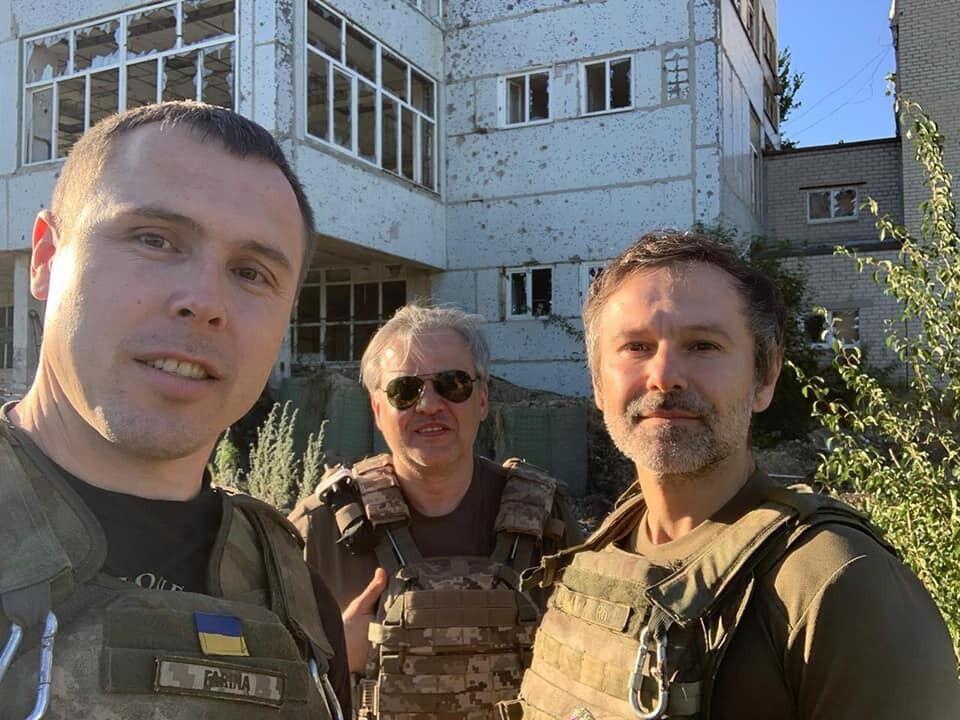 """Святослав Вакарчук із депутатами """"Голосу"""" відправився на передову до 79 бригади"""