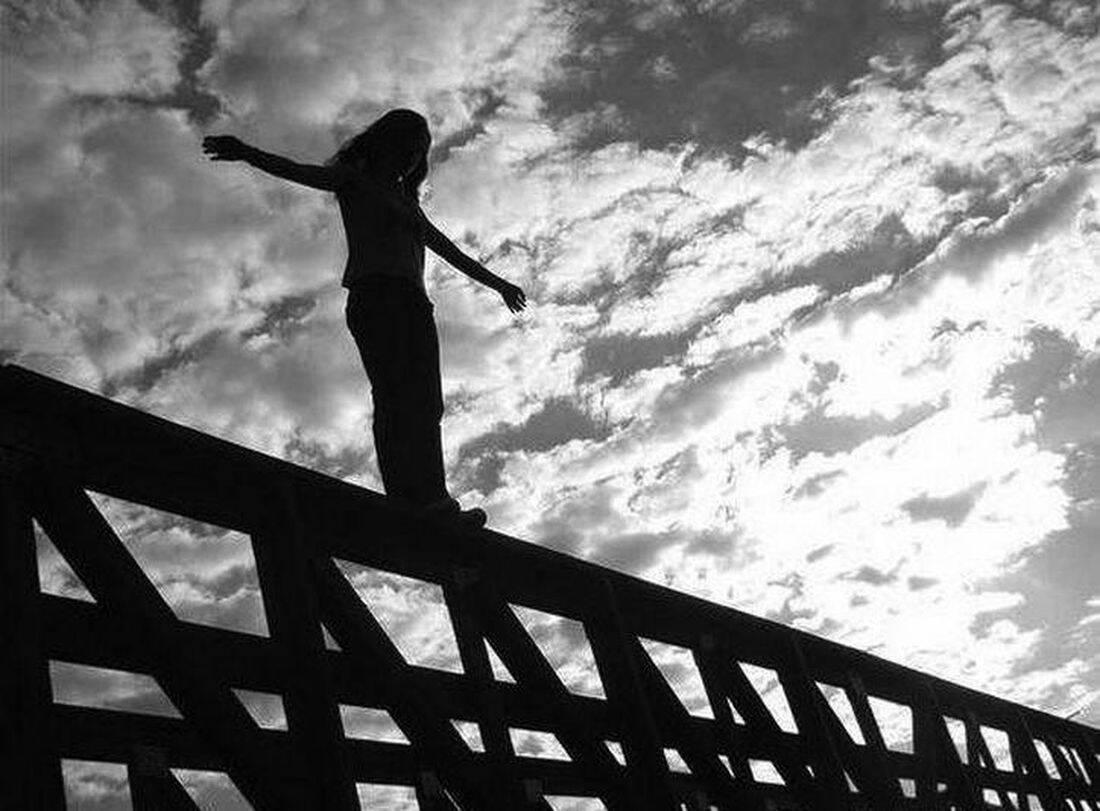 В Україні за пів року покінчили життя самогубством 72 підлітки