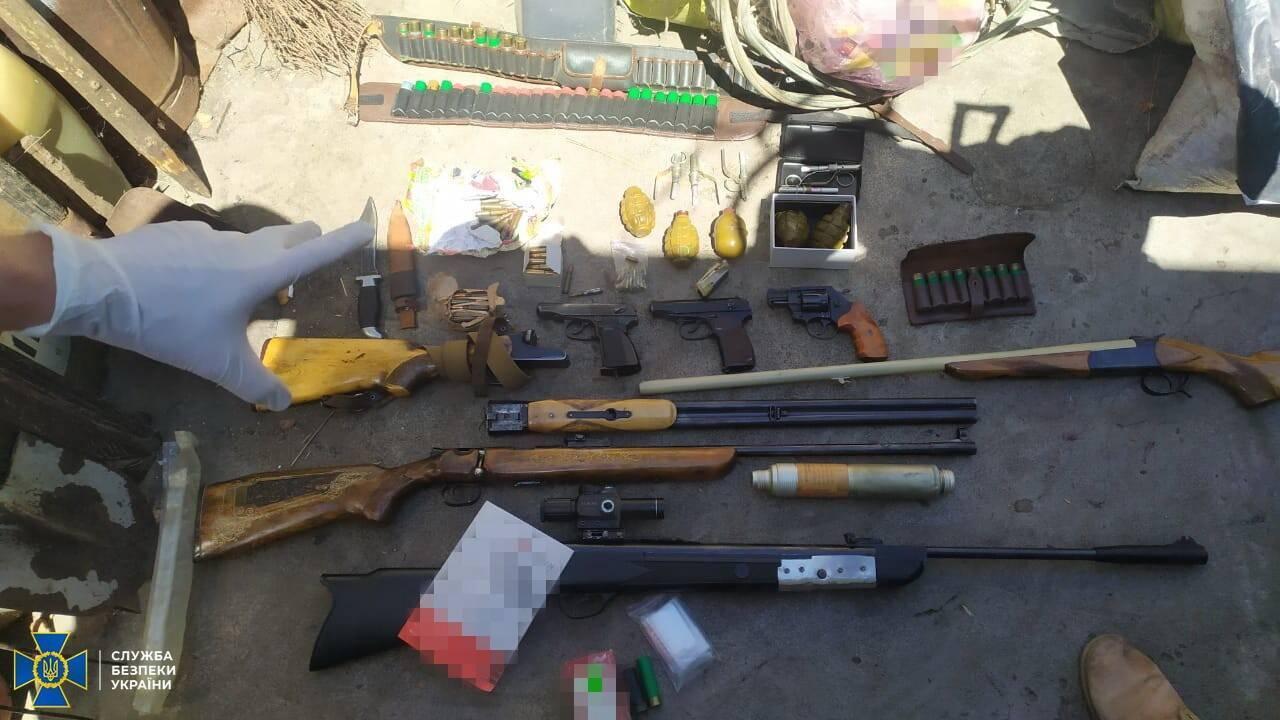 У Дніпрі СБУ викрила масштабну контрабанду ліків. Фото пресслужби СБУ в Дніпропетровській області